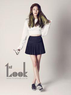 fx Krystal School Girl Fashion in Look Ulzzang Fashion, Kpop Fashion, Asian Fashion, Fashion Beauty, Girl Fashion, Krystal Fx, Jessica & Krystal, Sulli, Asian Woman