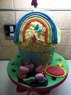 Peppa pig cake - use the toy figures instead? @Barbara Van Horn