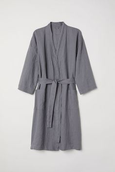 Washed linen dressing gown - Grey - Home All World Of Fashion, Fashion Online, Christmas Day Outfit, High End Fashion, Fashion Company, Dress Codes, Neue Trends, Nightwear, Outfit Of The Day