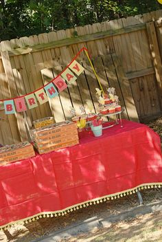 @BA 's  curious george themed bday party but didn't overboard with the theme.... @Trisha K