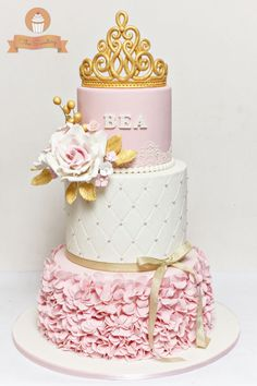 These 13 Amazing Princess Cake Ideas are perfect for any princess birthday party! Find your favorite princess birthday cake for your little one's party! Baby Shower Princess, Princess Birthday, Pink Birthday, Princess Party, Cupcakes, Cupcake Cakes, Shoe Cakes, Torta Princess, Princess Cake Image