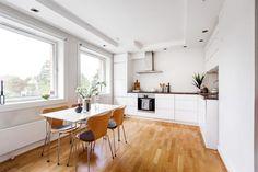 FINN – LAMBERTSETER: 2-roms endeleilighet i høy 1. etasje med sydvendt balkong, peis og moderne standard. Forkjøpsrett avklart!