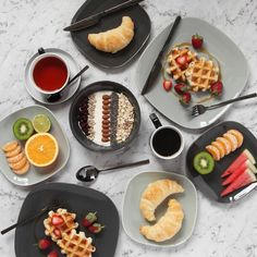 Sunday brunch with Fall in the air  @designbyaikonik