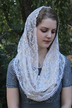 Beautiful and elegant, this Infinity Veil is made from a vintage, soft white Chantilly lace with just a slight touch of sheen. + Veil can be Beautiful Muslim Women, Beautiful Hijab, Catholic Veil, Catholic Gifts, Mantilla Veil, Chapel Veil, Bride Of Christ, Madonna, Le Jolie