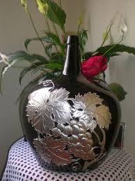 Resultado de imagem para artesanato pinterest com garrafas vidro decoradas com latonagem passo a passo