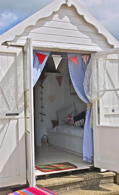 1000 images about decoration ideas for my beach hut on for Beach hut ideas