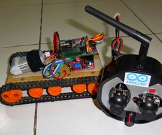 How to Control Tracked Robot Via Joystick NRF24L01 Module Arduino Part2 Rx