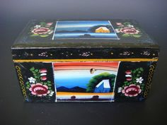 """Old vintage Mexican Olinala Guerrero black lacquered wood box 7"""" long"""