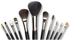 Mengenal Jenis Kuas Make Up dan Fungsinya