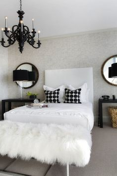 Black & white bedroom decor
