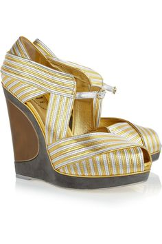 Yves Saint Laurent Maggy Metallic Leather Wedges in Gold | Lyst