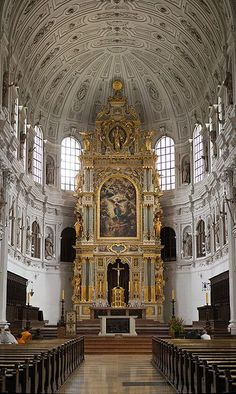 High Altar of Saint Michaels church, Munich, Germany. A fine example of the late renaissance/early baroque; naturally, a Jesuit church. Baroque Architecture, Church Architecture, Religious Architecture, Beautiful Architecture, Beautiful Buildings, Beautiful Places, St. Michael, Michael Church, Saint Michael