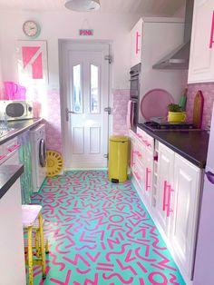 Diy Interior, Interior Decorating, Colorful Interior Design, Interior Paint, Colorful Decor, Colorful Interiors, Decorating Ideas, Floor Design, House Design