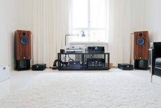Lautsprecher: Audio Note AN-E Spe He Signature Verstärker: Audio Note Meishu Silver € . Room Acoustics, Home Theater Installation, Note, Audio Room, High End Audio, Hifi Audio, Home Cinemas, Step Up, Audio Equipment