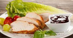 Avoir de belles cuisses, c'est également avoir une cuisse galbée et musclée. La cuisse molle et flasque, très peu pour vous. Pour éviter la fonte des muscles, surtout si vous n'êtes pas trop sportive,  il vous faut des apports de protéines ! N'hésitez pas à mettre au menu de vos repas de la viande maigre, du type escalope de dinde, poulet, volaille. Variez les modes de cuisson pour éviter l'apport de graisses.