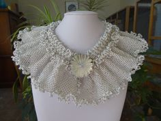 Hey, I found this really awesome Etsy listing at https://www.etsy.com/listing/122948247/beaded-colonial-ruffel-collar-with
