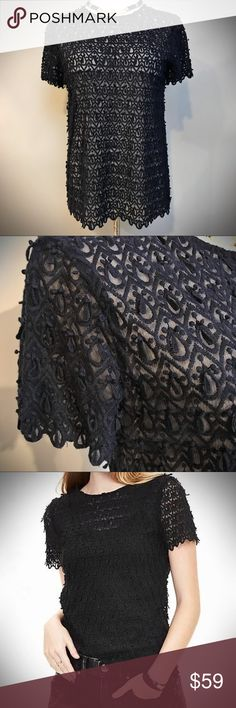 Gorgeous Navy Lace Top This gorgeous Banana Republic navy lace top is a perfect addition to any wardrobe, gorgeous with jeans or your favorite holiday pants. In like new pristine condition worn once for New Year's Eve with navy velvet palazzo pants. Banana Republic Tops