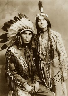 Native North American couple, Situwuka and Katkwachsnea portraits of beautiful Native American peoples Native American Beauty, Native American Photos, Native American Tribes, Native American History, American Indians, American Women, American Symbols, American Life, Native American Photography