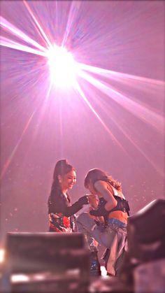 Jennie and lisa Yg Entertainment, South Korean Girls, Korean Girl Groups, Cool Girl, My Girl, Blackpink Members, Jennie Kim Blackpink, Blackpink Photos, Kim Jisoo
