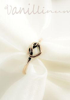 love knot - vörösréz gyűrű, Ékszer, óra, Gyűrű, Meska Knots, Heart Ring, Rings, Jewelry, Jewlery, Jewerly, Ring, Schmuck, Heart Rings