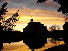 Sunrise at the Broadmoor by maryvw, via Flickr