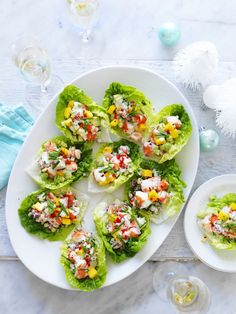 This easy avocado, mango and chilli prawns cups are a delicious entree or appetiser to enjoy on Christmas Day or for any dining occasion during the festive season. Avacado Appetizers, Appetizer Recipes, Fun Cooking, Cooking Tips, Cooking Recipes, Healthy Recipes, Cooking School, Cooking Turkey, Kitchen
