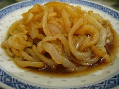 Jellyfish Salad 涼拌海蜇     By Ellen L.  Published: 2012-06-24    A really weird yet delicious Chinese delicacy food is marinated jellyfish ...