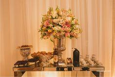 Melissa + Murilo | Casamento em Curitiba | Decoração romântica nas cores branco, nude e rosa | douglasranzolin.com/melissa-murilo