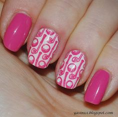 Gotta admit I find this manicure adorable! -> Pink Golf Nails