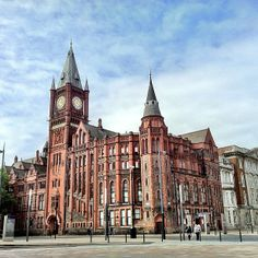 "See 131 photos and 13 tips from 1542 visitors to University of Liverpool. ""Great university in a great city. Liverpool Life, University Of Liverpool, Liverpool History, Liverpool England, Most Beautiful Cities, Wonderful Places, Dubai Beach, Uk Universities, Northern England"