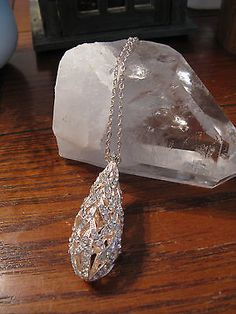New-Large-Ornate-Teardrop-Shaped-Austrian-Crystal-Rose-Gold-Tone-Pendant-WOW