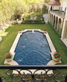 classic pool shape, raised off of ground