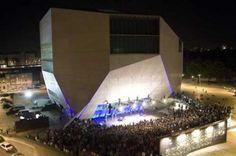 """Casa da Música (Porto) - concertos na rua """"verao na casa"""""""