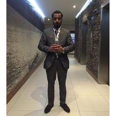 This time... #lastnight #great #punjabiwedding #reception #partying #décoronpoint #friends #freebar #vodkatonics #dancing #but #inthelatenight #instadaily #class #grey #suit #next #purple #cravat #socks #brown #shoes #burton #lvbelt #pizazz #nofilter #real #goodnight #weekend #behappy
