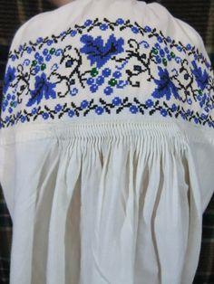 Ukrainian Dress, Fashion Vintage, Ukraine, Embroidery Patterns, Cross Stitch, Platform, Costume, Antiques, Shirts