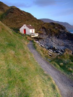 Niarbyl, Isle Of Man, I can almost smell the sea & feel the chill. Would love to be in this cottage with a cup of tea, a great book & a roaring fire.
