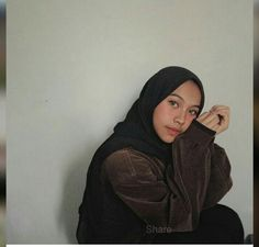 Casual Hijab Outfit, Hijab Chic, Casual Outfits, Ootd Fashion, Womens Fashion, Head Scarf Styles, Insta Photo Ideas, How To Pose, Girl Photography Poses
