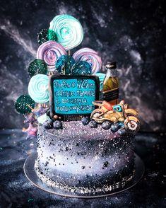 Birthday Parties, Birthday Cake, Cakes For Men, Red Velvet, Gingerbread, Dubai, Cake Decorating, Sweets, Baking
