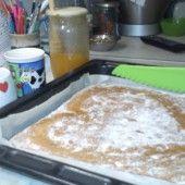 Bryndzové pečivo - recept   Varecha.sk Pudding, Corn Tortillas, Desserts, Food, Tailgate Desserts, Deserts, Custard Pudding, Essen, Puddings