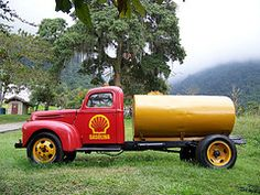 Ford Cisterna (ticoponch) Tags: ford shell camion museo cisterna
