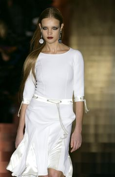 159 photos of Valentino at Couture Spring 2003.