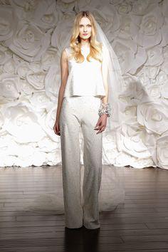 Fall 2015 Wedding Dresses - Best Wedding Gowns At Bridal Fashion Week - Elle Así debería haber sido mi traje de novia.