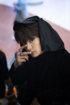 2moons The Series, 2 Moons, Look Into My Eyes, Cute Anime Boy, Mamamoo, Shinee, Boy Fashion, Chen, Kdrama