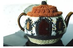 How sweet is this knit tea cozy?