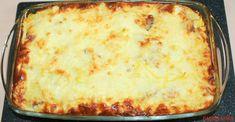 Cartofii gratinati la cuptor cu branza, cascaval, sunca, oua si smantana sunt perfecti ca si garnitura la fripturi sau ca fel in sine. Ingrediente necesare pentru cartofii gratinati cu cascaval oua si smantana: 600 gr. cartofi fierti si curatati 150 gr. telemea sarata 150 gr. cascaval 4 oua 100 gr. sunca afumata o cutie mare … Yummy Food, Tasty, Desert Recipes, I Foods, Lasagna, Meal Planning, Deserts, Food Porn, Food And Drink