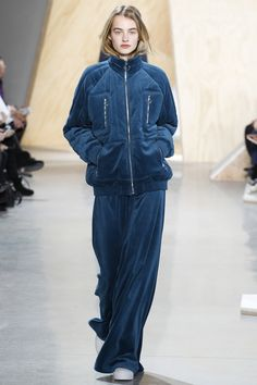 Love this Comfortable outfit by Lacoste Fall 2016 Ready-to-Wear Fashion Show #runway #aw16 #avantgarde