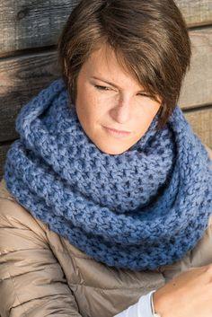 alta resa, 115 m. Loom Knitting Patterns, Hand Knitting, Knitting Ideas, Knitting Projects, Knitted Poncho, Knitted Hats, Hat Tutorial, Knitting For Beginners, Crochet Scarves