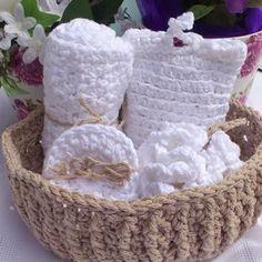 Marie Whimsy Crochet (@mariewhimsycrochet) • Instagram-bilder og -videoer Cushion Covers, Wicker Baskets, Crochet, Instagram, Home Decor, Crochet Hooks, Decoration Home, Interior Design, Home Interior Design