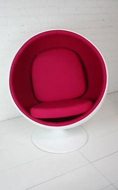Saarinen cocoon chair