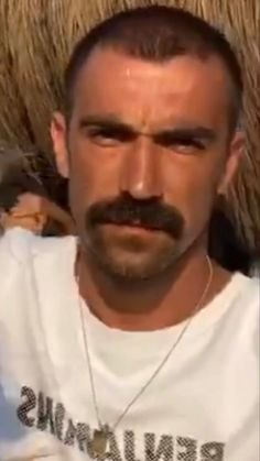 Walrus Mustache, Beard No Mustache, Moustaches, Male Pattern Baldness, Interesting Faces, Hugh Jackman, Leather Men, Sexy Men, Handsome